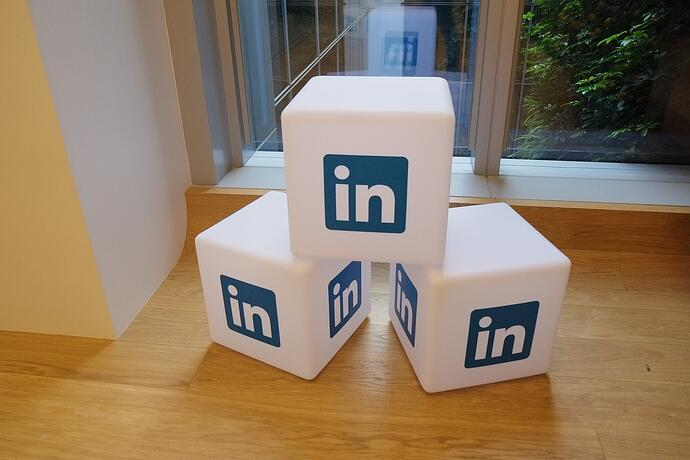 7 Ways to Build Trust and Drive Traffic From LinkedIn