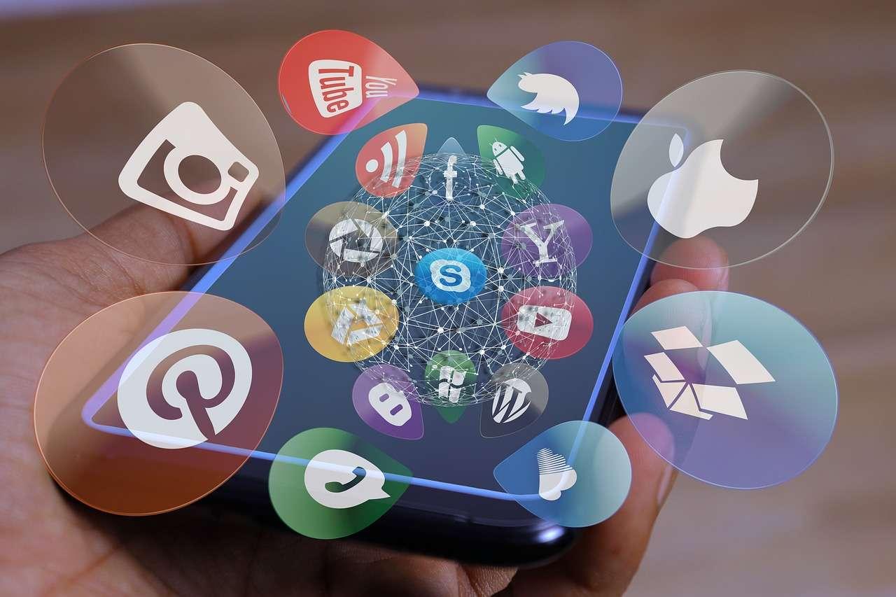 social-media-4698431_1280